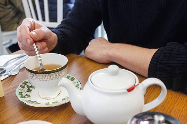 english culture of drinking tea - jasmin party stock-fotos und bilder