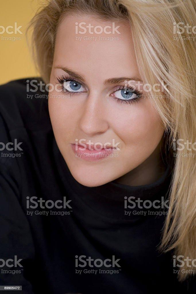 Загадочных в черный Стоковые фото Стоковая фотография