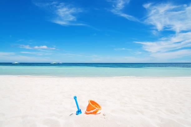 Enjoy summer time at sunny beach picture id872072252?b=1&k=6&m=872072252&s=612x612&w=0&h=1mciieipca02fhpfduwhumozjezcru0n2b67fcbs2ck=