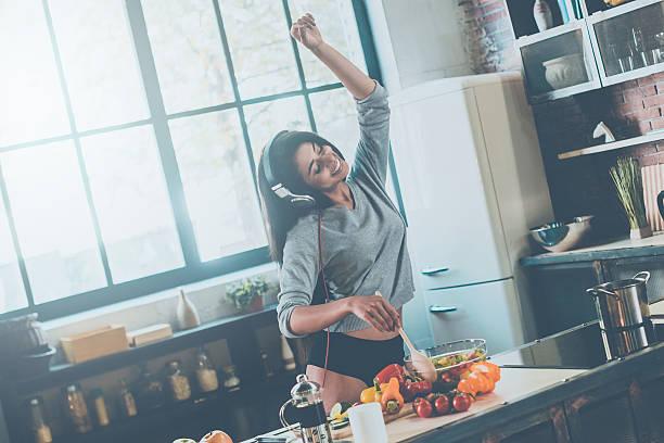 enjoying carefree morning. - 家庭料理 ストックフォトと画像