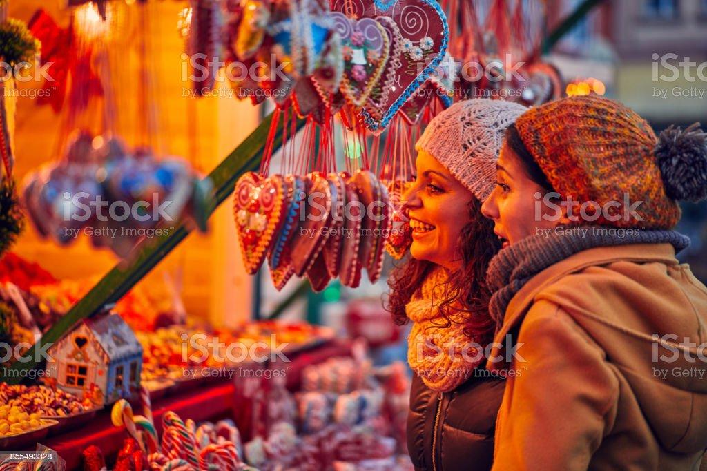 Weihnachtsmarkt zu genießen - Lizenzfrei Christkindlmarkt Stock-Foto