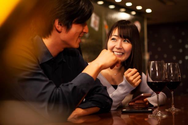 Enjoying conversation in restaurant picture id1056220626?b=1&k=6&m=1056220626&s=612x612&w=0&h=v g1 7be5xkoh1xxaiv7umigo49mj9uwb2zcuue4xac=