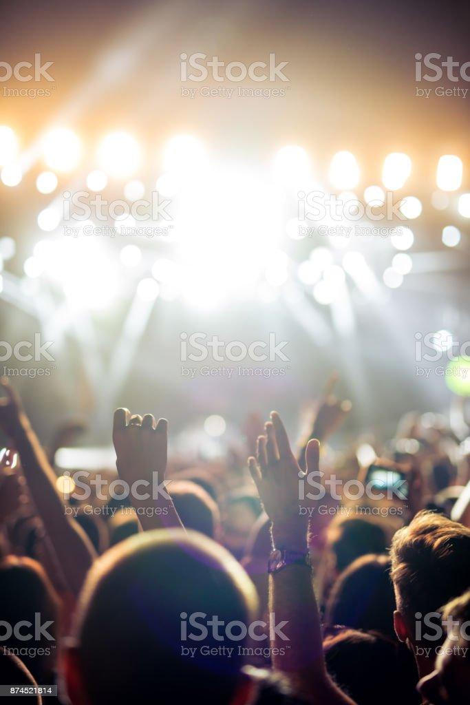 Genießen Sie gutes Konzert – Foto