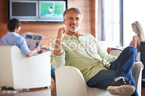 istock Enjoying his lunch break 471651861