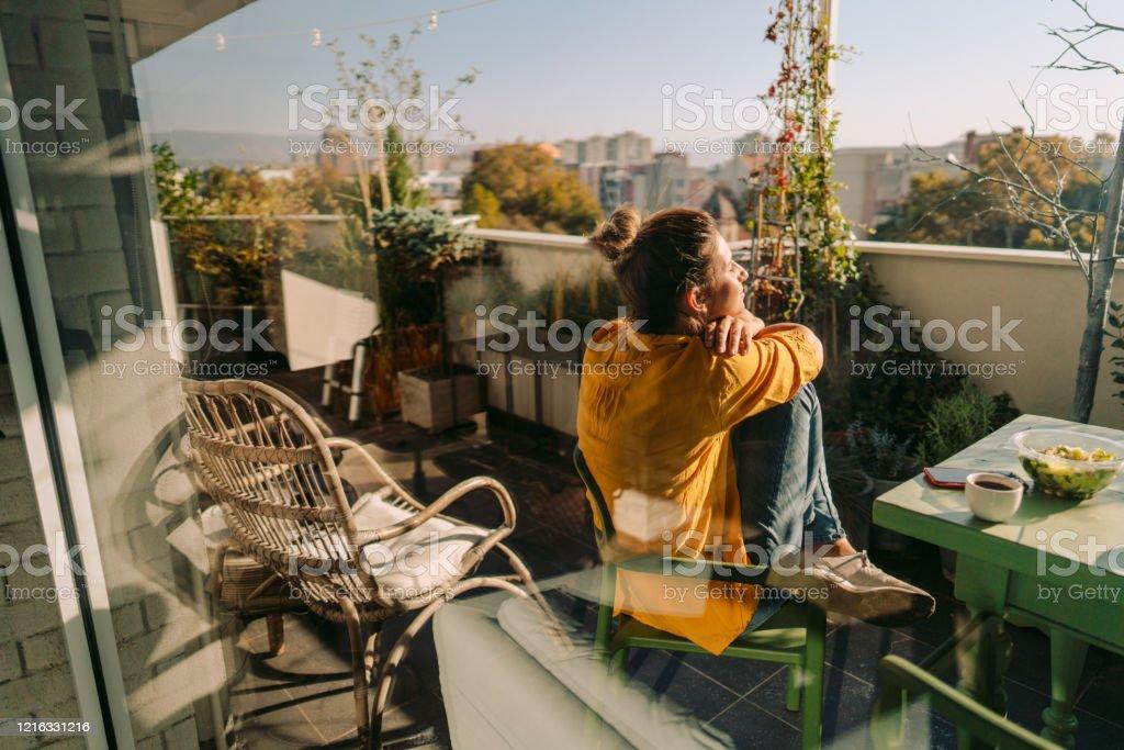 Den Frühling auf meinem Balkon genießen - Lizenzfrei Abgeschiedenheit Stock-Foto