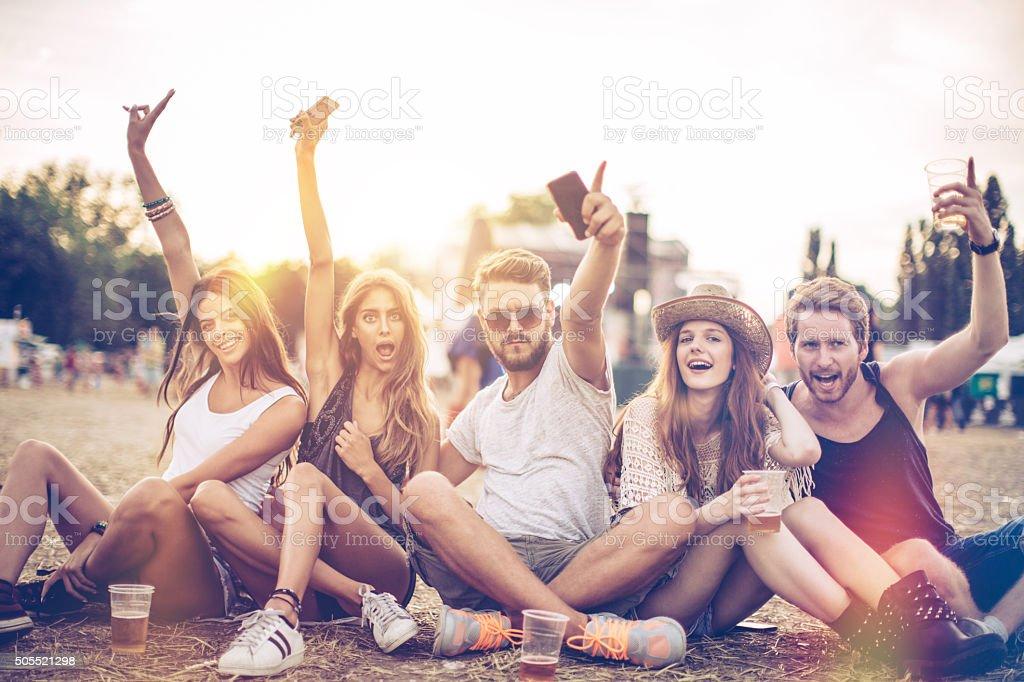 Desfrutando o festival de música - foto de acervo