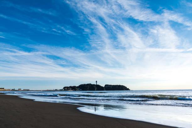 enoshima seen from kakinuma coast2 - prefektura kanagawa zdjęcia i obrazy z banku zdjęć