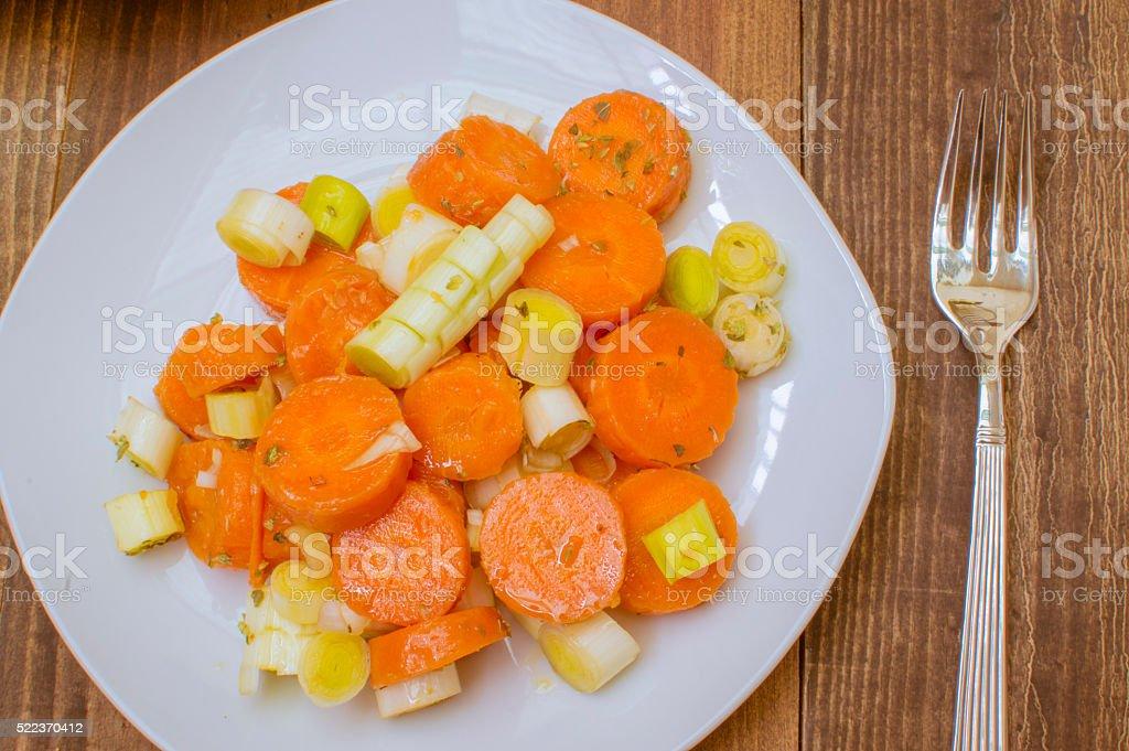 Ensalada con zanahorias cocidas photo libre de droits