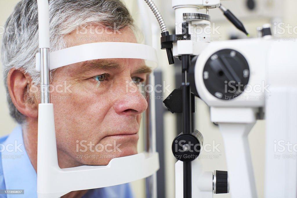 Asegurarse de que sus ojos s'En óptimas condiciones foto de stock libre de derechos