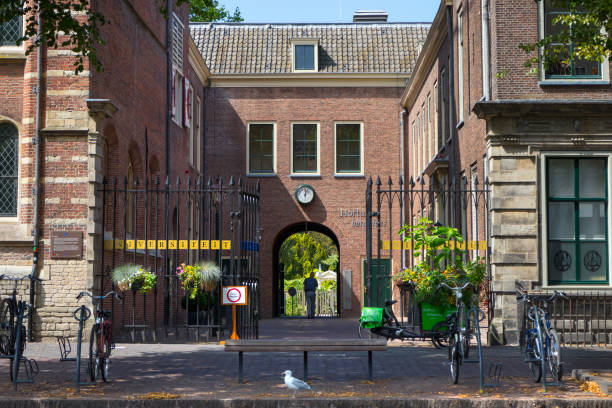 Entance of the Hortus Botanicus at the Rapenburg in the center of Leiden Leiden, Netherlands - July 17, 2018: Entance of the Hortus Botanicus at the Rapenburg in the center of Leiden leiden stock pictures, royalty-free photos & images