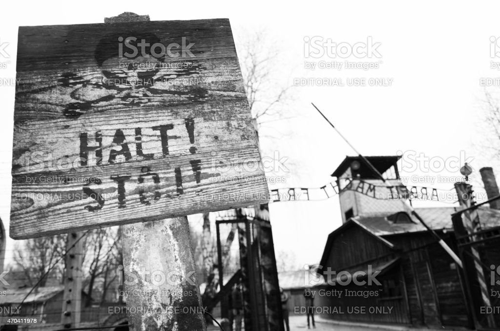 Eingang zum Auschwitz Konzentrationslager in Polen – Foto