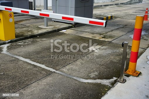 858738110 istock photo Entrance of the garage 866616538