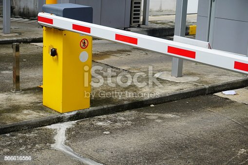 858738110 istock photo Entrance of the garage 866616586