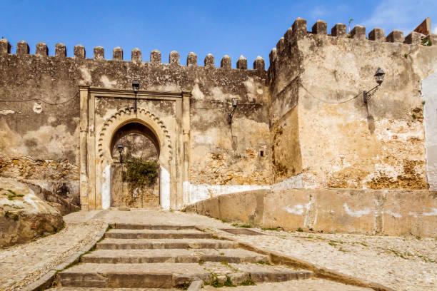 ingången i kasbah - kasbah bildbanksfoton och bilder