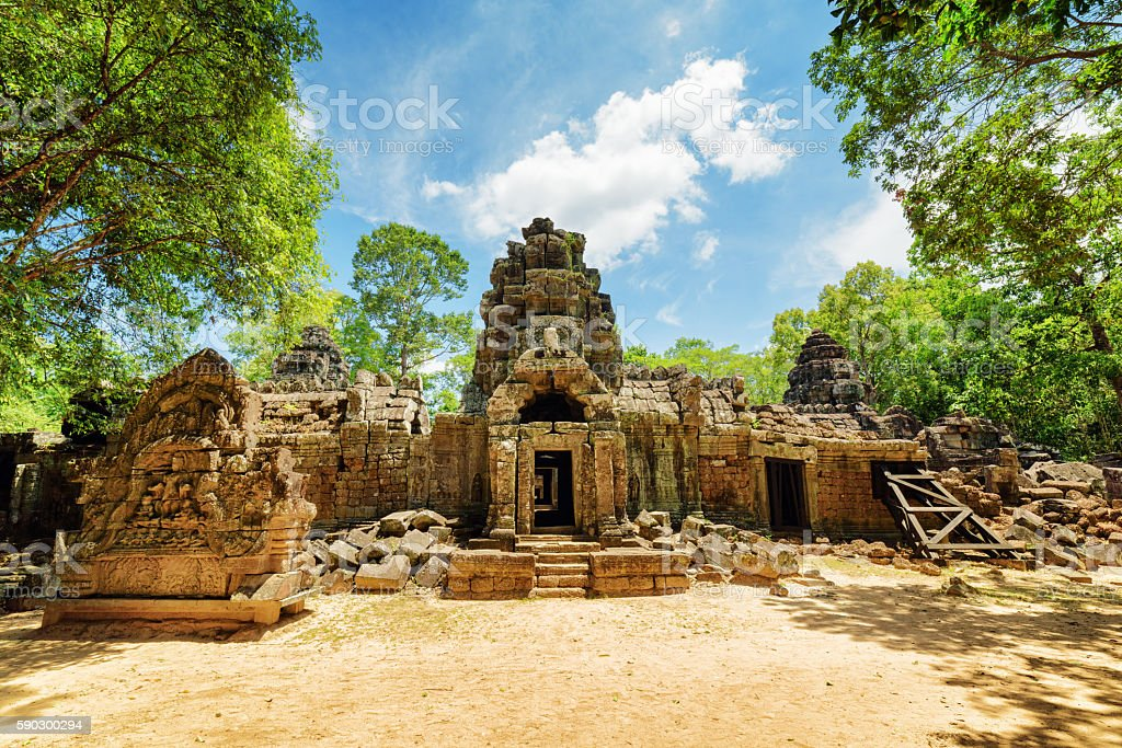 Entrance to ancient Ta Som temple in Angkor, Cambodia royaltyfri bildbanksbilder
