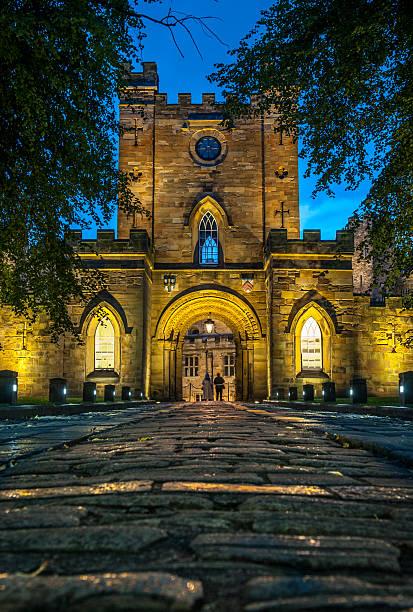 Entrance to Durham Castle - foto de acervo