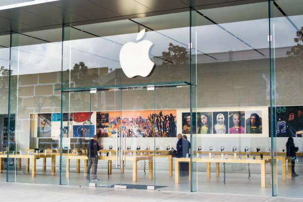 Entrance to the apple store picture id1067946760?b=1&k=6&m=1067946760&s=612x612&w=0&h=mer2ztzku3xl943rwdka4y3zmojuibhikhfodxgklby=