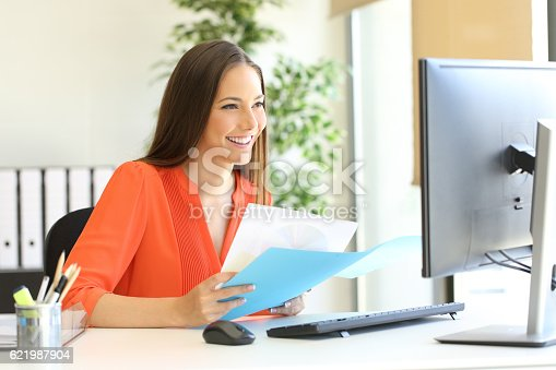 istock Entrepreneur or executive working at office 621987904