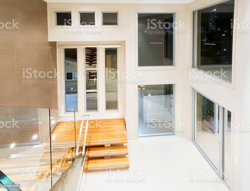 Photo libre de droit de Hall Dentrée Moderne De Luxe Mansion banque  d\'images et plus d\'images libres de droit de {top keyword}