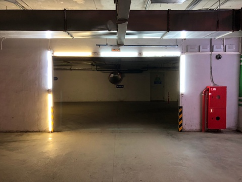 Entry,Parking,Firefighters,Light,Garage