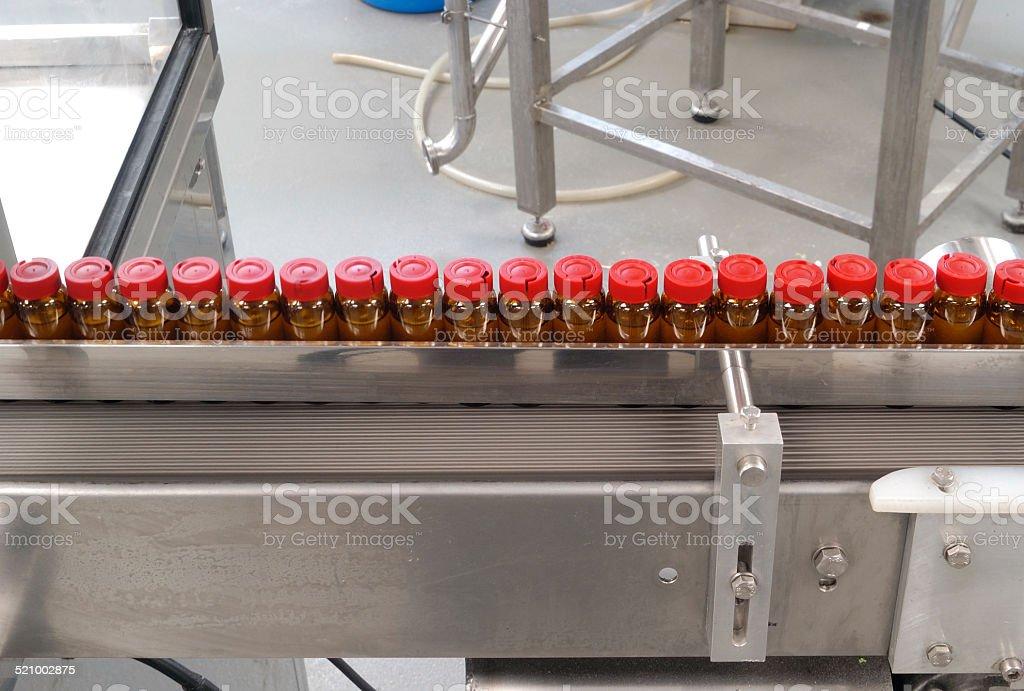 envasado de una fabrica farmaceutica stock photo