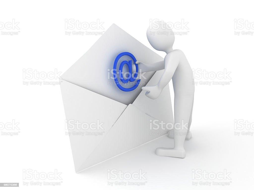 Busta con segno di posta elettronica sopra bianco foto stock royalty-free