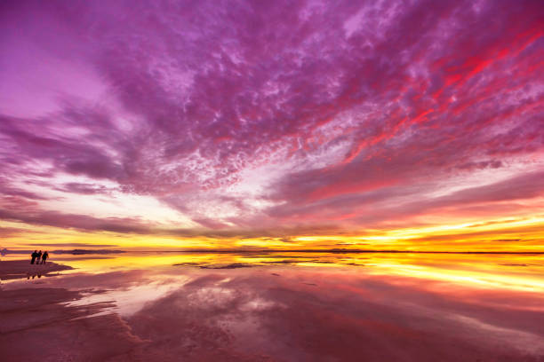 Epic Sunrise over the Salt Flat Sunrise at BOnneville Salt Flat , Utah bonneville salt flats stock pictures, royalty-free photos & images