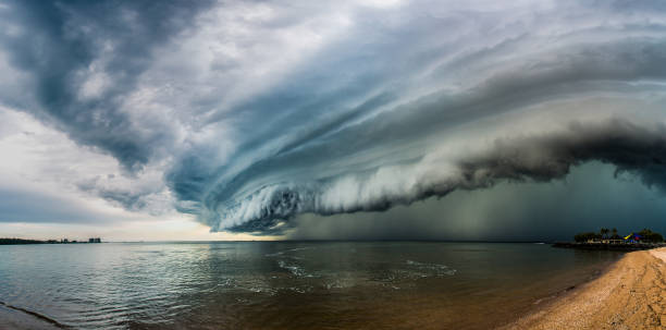 Epic super cell storm cloud An amazing looking super cell storm cloud forming on the east coast of Queensland, Australia. extreme weather stock pictures, royalty-free photos & images