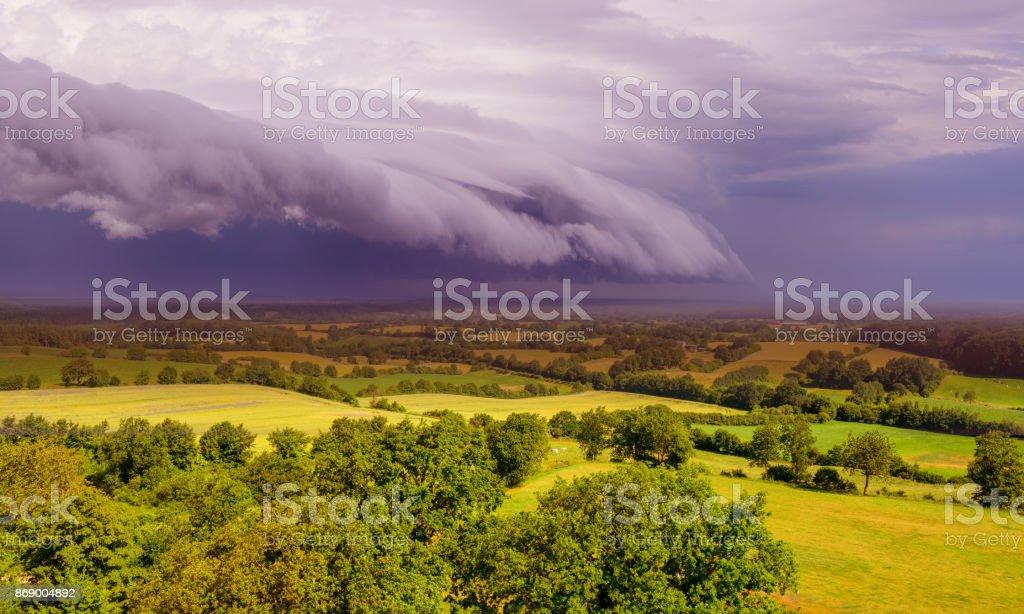 Epische Superzelle Regal Wolke über Landschaft – Foto