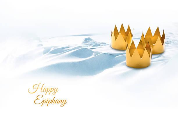 epiphanyname, três reis magos dia, simbolizada por três tinkered coroas o - reis magos imagens e fotografias de stock
