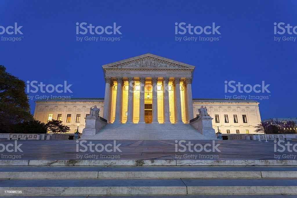 Równe Sprawiedliwości w prawo – zdjęcie