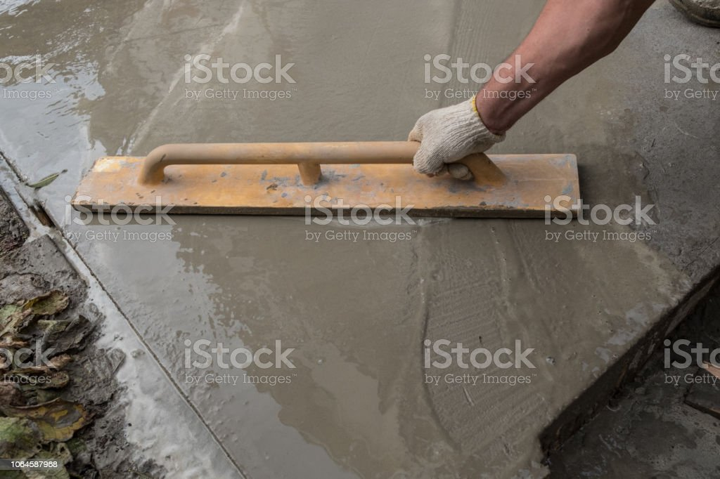Equipment And Construction Of A Paving Concrete Walkway