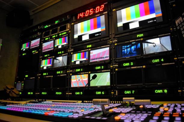 equipment in outside broadcasting van. - dworzec zdjęcia i obrazy z banku zdjęć