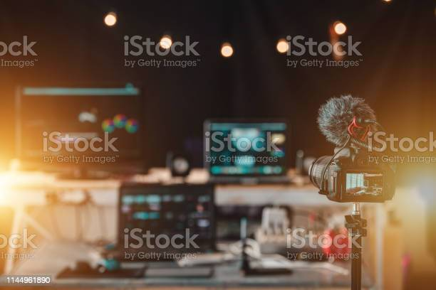 Equipment in the house studio of vlogger professional content creator picture id1144961890?b=1&k=6&m=1144961890&s=612x612&h=8xm swqqmhdzrdzvhwwv5rjomra6jp2tluag48lmxqu=