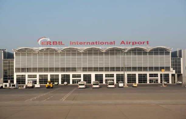 internationalen flughafen erbil im nordirak - kurdische sprache stock-fotos und bilder