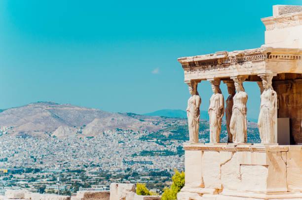 temple d'erechtheion, athènes. - grece photos et images de collection