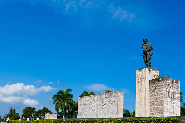 """ernesto """"che"""" guevara memorial, santa clara, cuba - mausoleum stockfoto's en -beelden"""