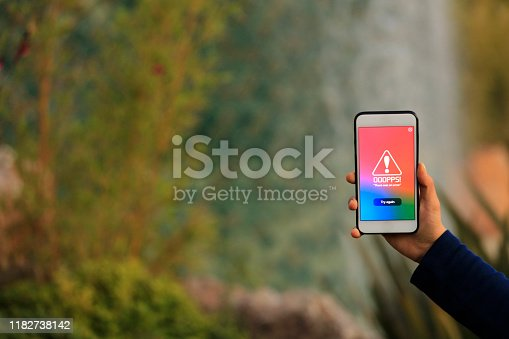 istock Error Page Screen on Smartphone 1182738142