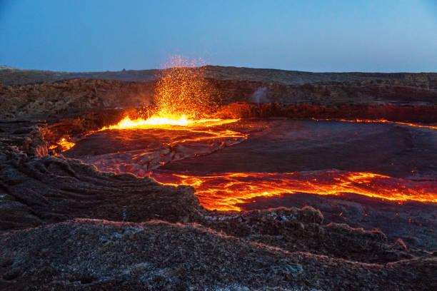 erta ale volcano - wulkan czynny zdjęcia i obrazy z banku zdjęć