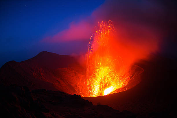eruption The eruption of the volcano Yasur on Tanna Island, Vanuatu vanuatu stock pictures, royalty-free photos & images