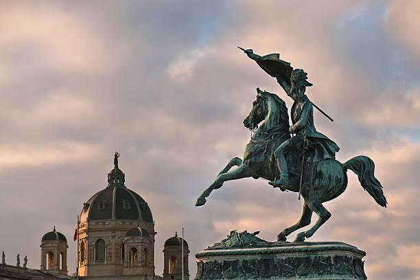 archduke franz ferdinand of austria karl reiterdenkmal, heldenplatz, wien - kunsthistorisches museum wien stock-fotos und bilder