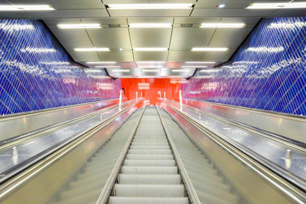 Rolltreppe im U-Bahnhof Marienplatz in München – Foto
