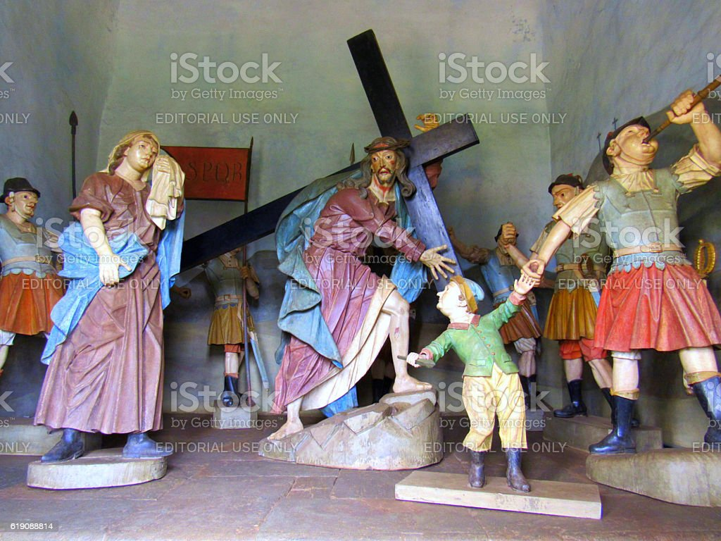 Escultura de Aleijadinho em Congonhas, Cristo na Cruz - foto de acervo
