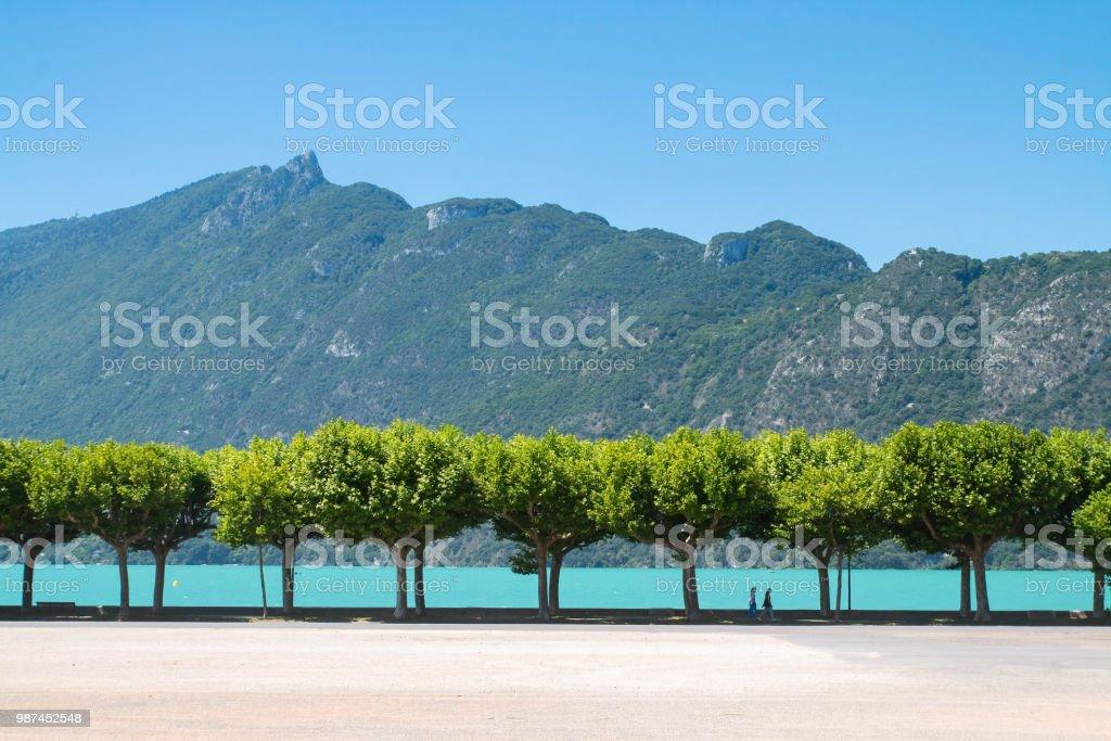 Esplanade du Lac du Bourget à Aix-les-bains - Photo