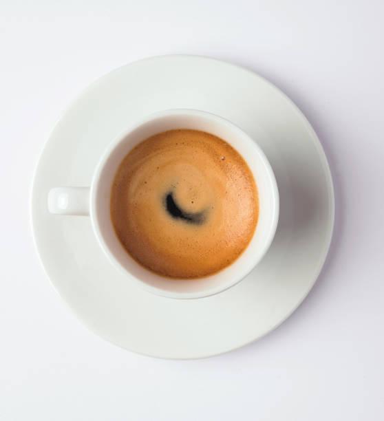 espresso kaffee in der tasse, ansicht von oben - mokkatassen stock-fotos und bilder