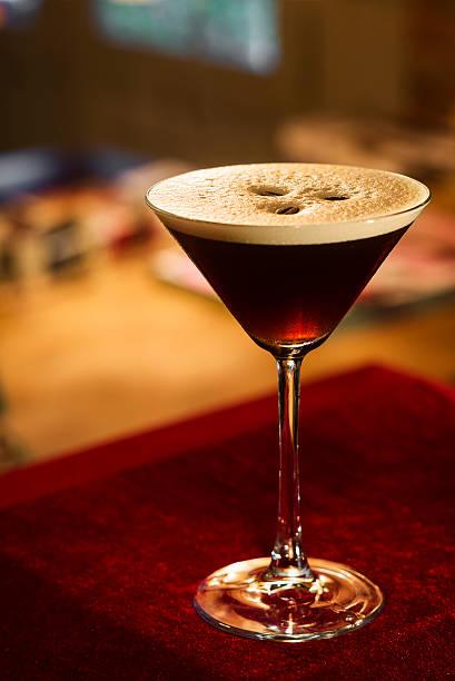espresso, espresso kaffee, martini-cocktail - espresso stock-fotos und bilder