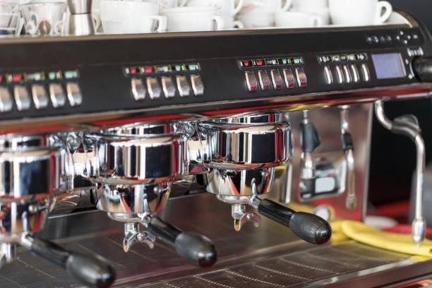 espresso machine - argento metallo caffettiera foto e immagini stock
