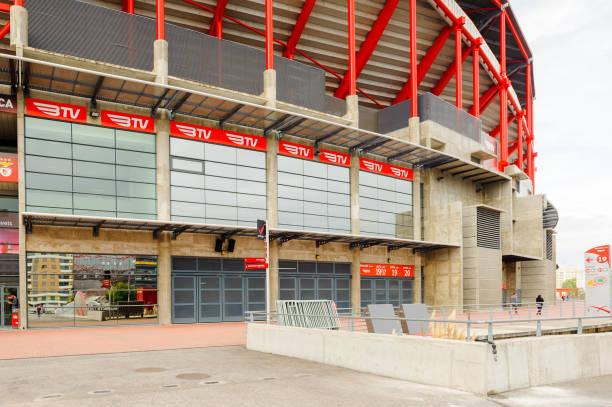 estadio da luz (stadium of light), home stadium for the s.l. benfica - benfica imagens e fotografias de stock