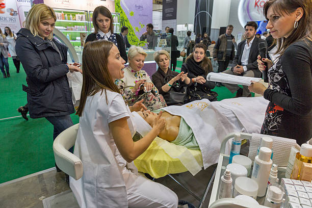 estet beauty expo in kiev, ukraine. - wellness seminar stock-fotos und bilder