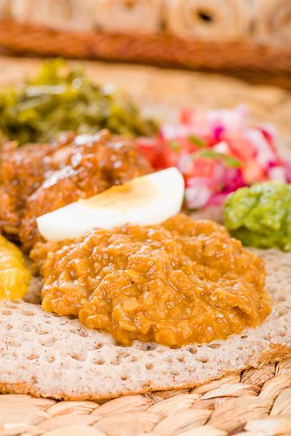 äthiopischer feast - kik textilien stock-fotos und bilder